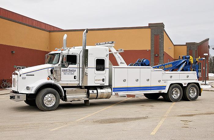 heavy tow trucks